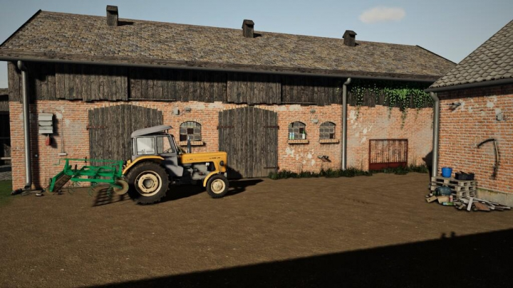 Trending mods today: Small Cowshed With Pasture v1.0.0.0