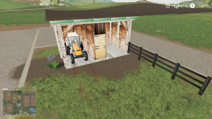 Trending mods today: Small shed or horse barn wip v1