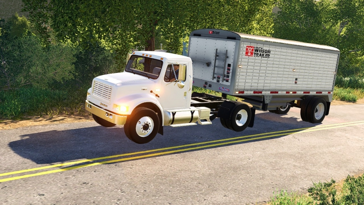 International 4900 Single Axle Semi category: Trucks